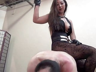Aside Asian Domme