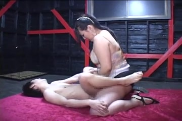 Japanese BBW misstress strapon anorexic guy, cockload