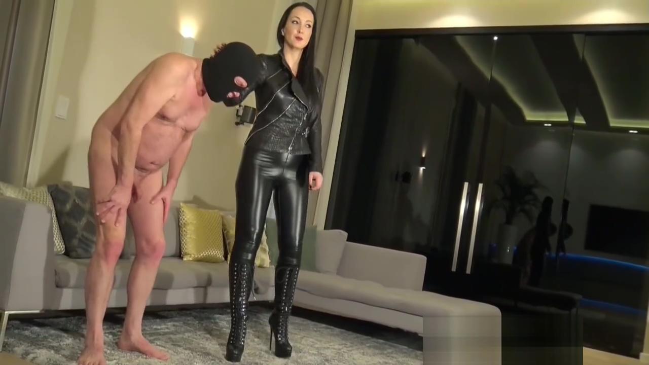 Fetish Liza ballbusting her slave