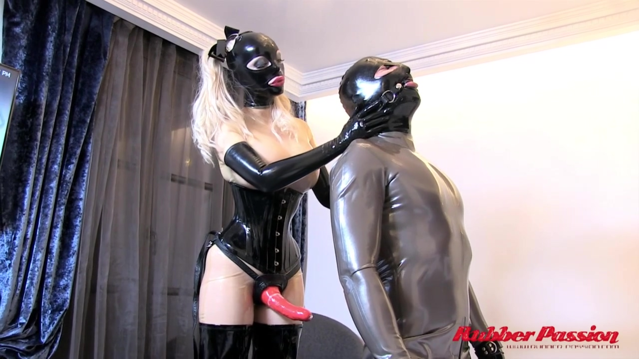 Rubber passion - Fuck me Lucy