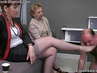Ms Eva - Under the feet of the Ladies