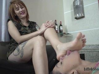 Vivi Mel Slave Of Valeria Natural Feet Lesbian Na Raposo Tavares