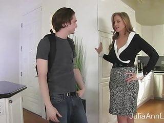 StepMom Julia Ann Fucks Stepson anent Ass!